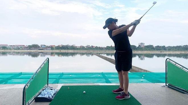 Sân tập golf trong nhà máy nước sông Đuống của Shark Liên đã được tháo dỡ