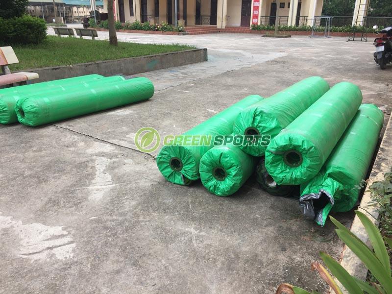 Thi công sân cỏ nhân tạo trường tiểu học cộng hòa Quốc Oai