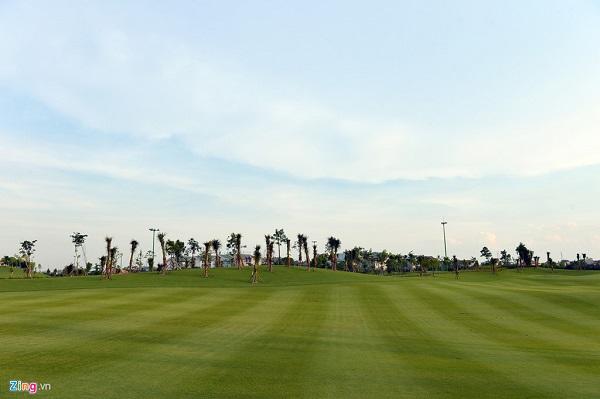Sân golf Long Biên 3