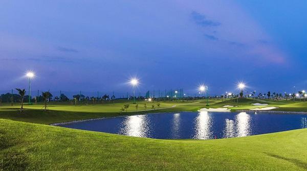 Sân golf Long Biên 4